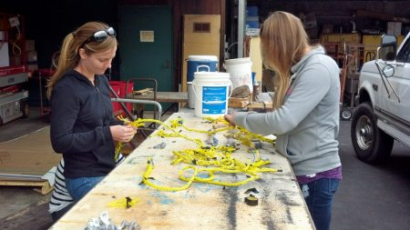 Learning to splice rope to use for our sediment trap array. Photo by: Diane Wyse